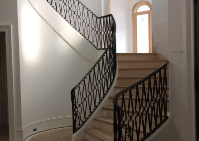 Curved Staircase 44