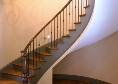 Curved Staircase 39