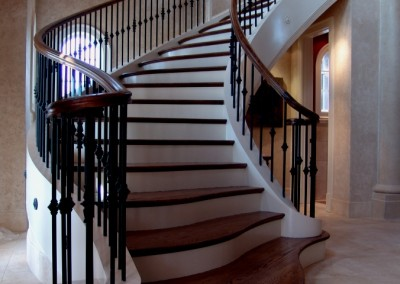 Curved Staircase 28