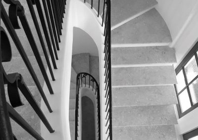 Curved Staircase 19