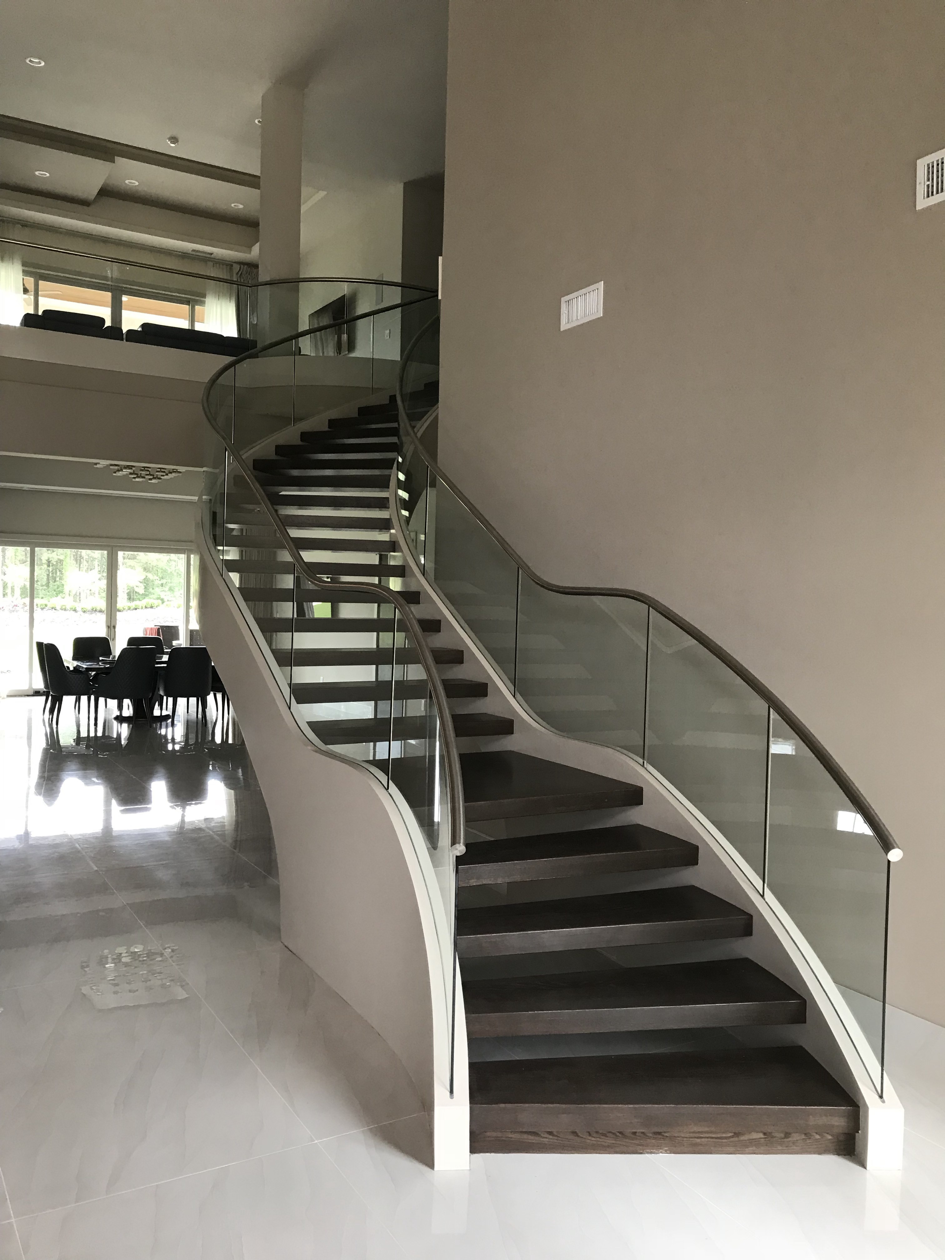 Curved Staircase 87